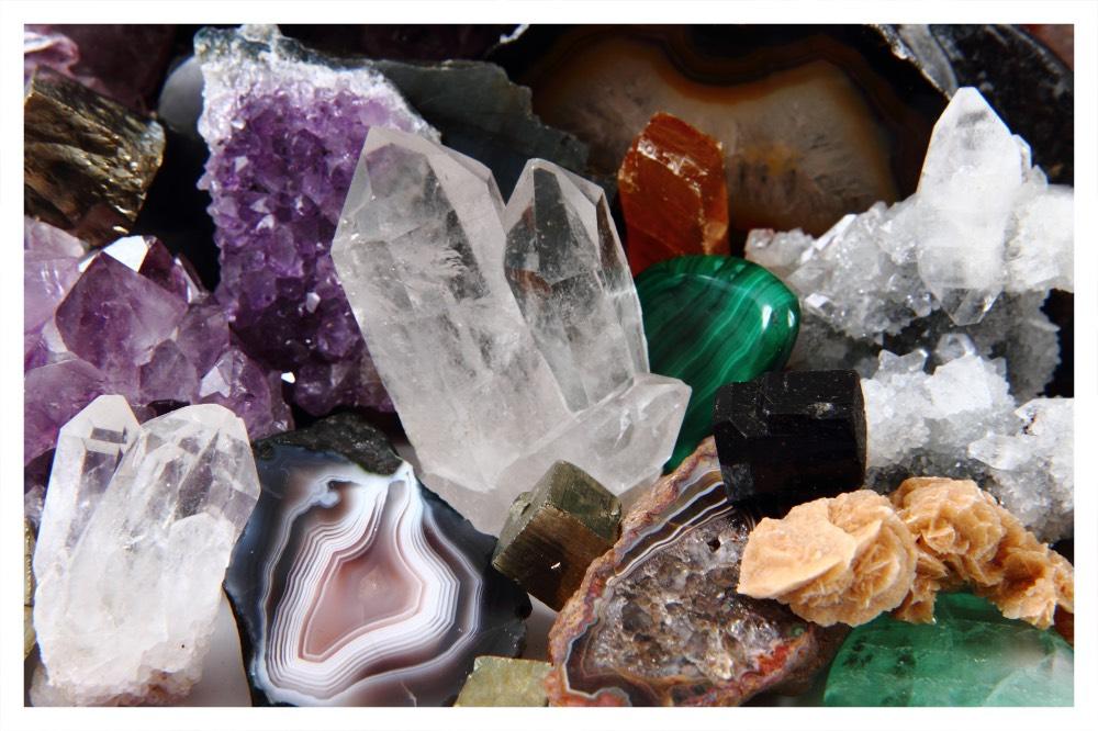 Pedras naturais brutas