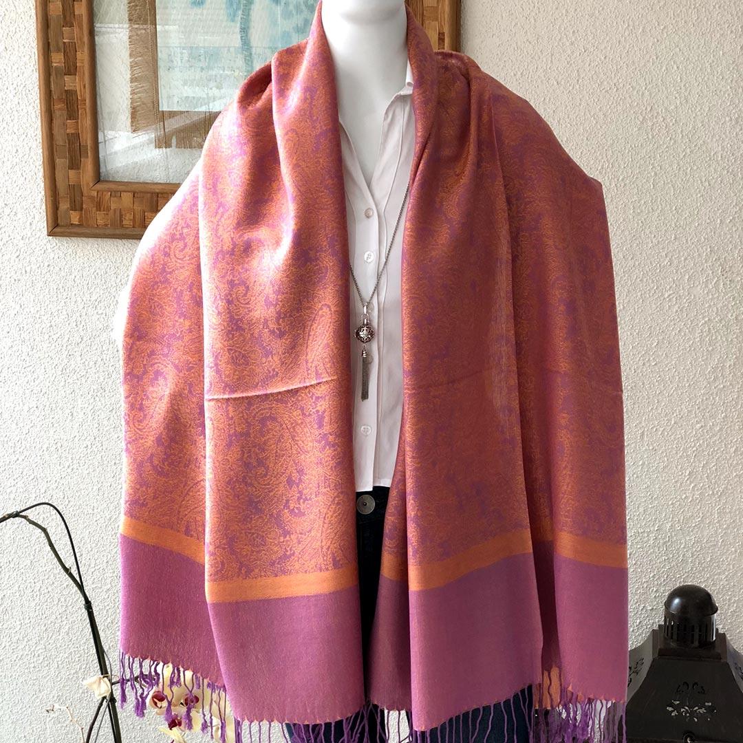 Echarpe tipo pashmina abóbora com nuances rosa